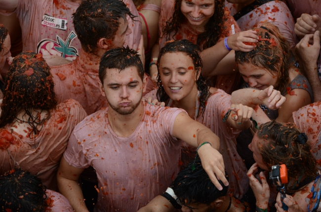 La Tomatina tomatoes festival, Cool festival in Spain: throwing tomatoes at La Tomatina